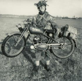 Para holds 125cc Royal Enfield Motorcycle. 1944.