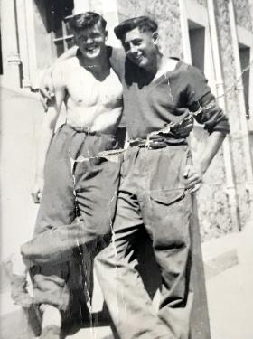 David Hulcoop and 'Punchy Moore'. 2 Para Canal Zone Egypt, 1952-1953.