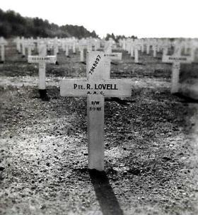 Grave of Pte Roger Lovell. Hotton War Cemetery, Belgium.