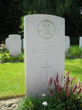 Headstone of LCpl R S Clarke