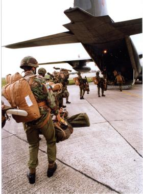 Exhausted Paras man a defensive position, Falklands 1982.