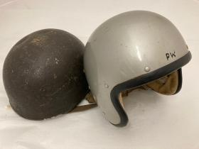 Para and Free fall helmet of Peter Wildblood