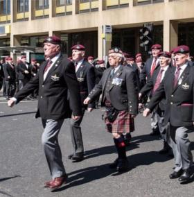 Peter Morrison leading the veterans of 15 Para parade in Glasgow 2017