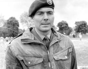 Frank McEvoy wearing French Para Cap badge