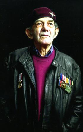 WJ Gilder in later life wearing his medals and maroon beret