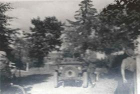 Frank Silvester with jeeps and members of his unit