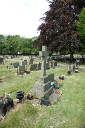 Grave of Lt. Ruddick's parents in St Wilfrid's Churchyard, Standish, on which he is commemorated