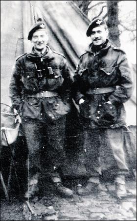 Lt's. Tony Bowler & Richard Todd. 7 Para Bn. Wales, just before D.Day 1944