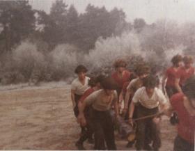 421 Platoon P Coy Log Race December 1975