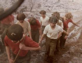 421 Pln P Coy Log race December 1975