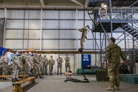 Members 3 Para learn helicopter fast rope skills