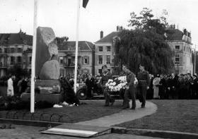 Airbornecommemoration at Arnhem, on 17September 1945