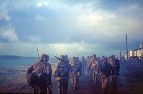3 PARA advance into Stanley, Falklands, 1982.