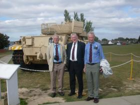 Guards Para Association members visit Airborne Assault 2010