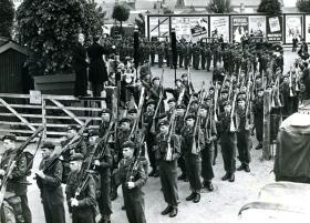 1 PARA entraining from Aldershot prior to Cyprus, 1951