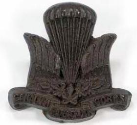 1st (Canadian) Parachute Battalion Other Ranks' Plastic Cap Badge (1943)