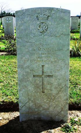 Grave of Spr S A Minshull, Ramleh War Cemetery, 2015.