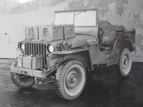 6 pounder ammunition on stowage racks of an Airborne jeep, c.1944