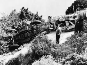 Members of 131 Para Engineer Regt (TA) recover a compressor, Cyprus 1963.