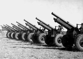 Short Axle 25 Pounders of 159th Parachute Light Regiment 1946