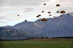 Paratroopers from 2 PARA and 2e REP coming into the drop zone, Exercise BLUE LEGIONNAIRE, January 2014.