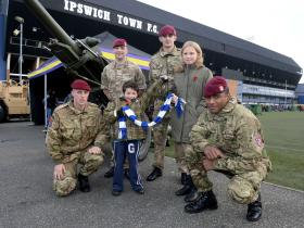 Gunners join with footballers to mark Remembrance, 8 November 2014.