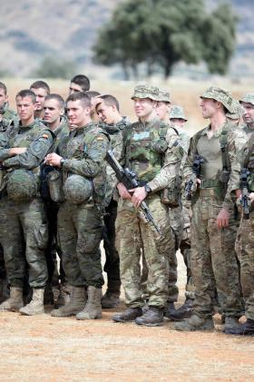 4 PARA train in Spain on Exercise Iberian Star, 23 September 2015.