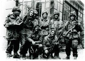 Photo of 21st Independent Para Coy taken by Mrs Kremer in back garden of No. 8 Stationweg. 22 September 1944.