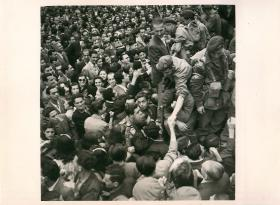 Athenians welcome 2nd Independent Parachute Brigade. October 1944.