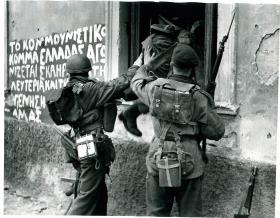 Paratroopers enter an ELAS post through a window. December 1944.