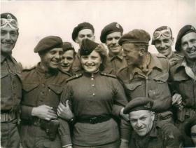 British Airborne troops with a Russian telegraphist near Wismar.