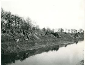 Glider troops of the Royal Ulter Rifles dig in at their objective the River Issel.