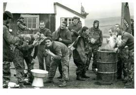 Mortar platoon, 3 PARA wash and shave, Falklands, 1982