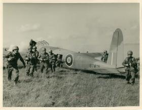 Hotspur Glider on the ground with armed troops.