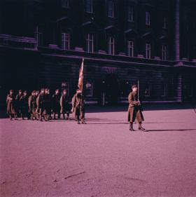 1 PARA in front of Buckingham Palace, 1969.