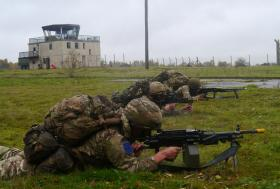 Soldiers from 2 PARA providing covering fire, Exercise Blue Raider, Woodbridge, Nov 2013