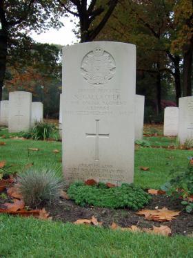 Headstone of Pte N Gallacher, Oosterbeek War Cemetery, October 2015.