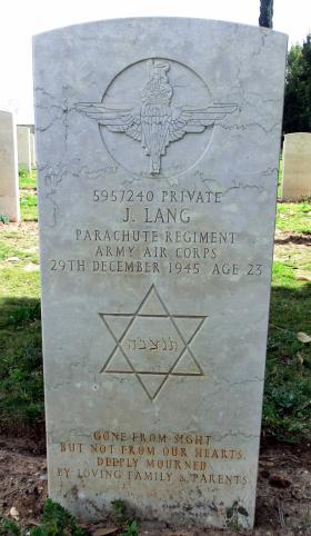 Grave of Pte Jack Lang, Ramleh War Cemetery, Israel, 2015.