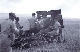 25 pdr of Fox Troop, 33 AB Lt Rgt RA on a practice shoot, Acre, Palestine, July 1947