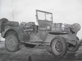Airborne Signals Jeep with radio and extra reels for communication wires, c.1944