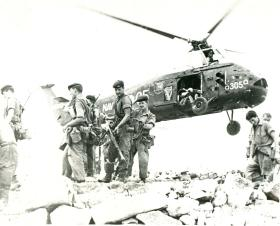 3 PARA soldiers prepare to man a hilltop position, Radfan, 1960s