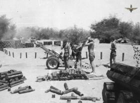 33 Para Light Regiment RA, C Troop gun crew test fire 75mm Howitzer, Radfan, 1957.