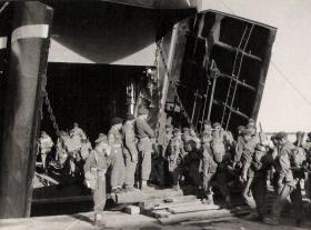 Members of 33rd Parachute Field Regiment embarking at Famagusta for Suez 1956