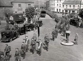 3 PARA marching through Aldershot towards the railway station, c1951.