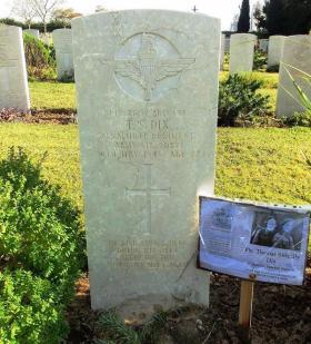Grave of Pte Thomas Dix, Ramleh War Cemetery, Israel.