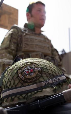 A member of A Coy 3 PARA on patrol in Chah-e Anjir, Afghanistan, Op Herrick XIII.