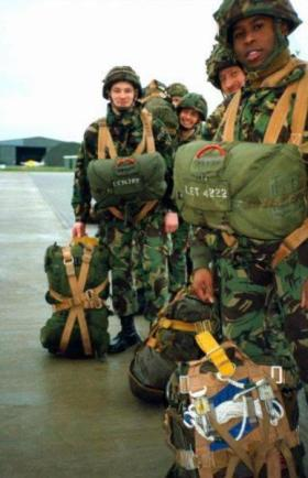 Members of 144 PMS emplaning at RAF Brize Norton, c1991.