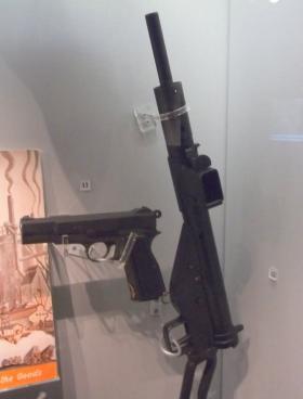 STEN Machine Carbine   ParaData