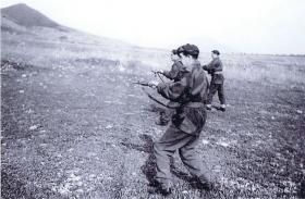 Airborne Gunners undertake Sten Gun practice, Palestine, 1947