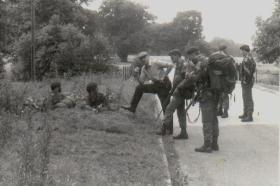 B Company, 4 Para - Lt Bellairs briefs at Theftford.